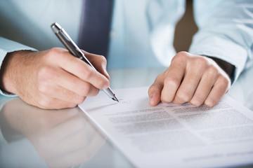 Analyse des risques et sécurisation des contrats